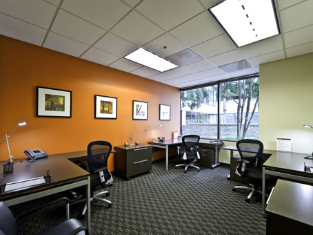 Regus Santa Monica | All 4 Locations With Images, Perks & Prices